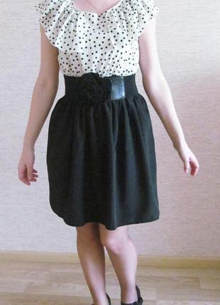 Платье в горошек всегда в моде