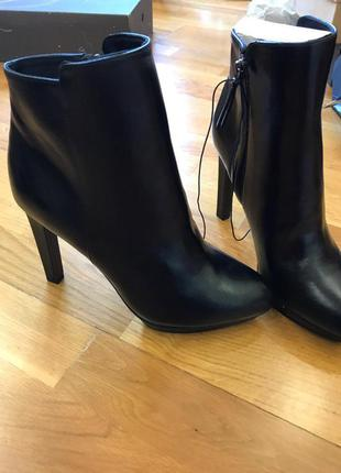 Ботинки h&m на каблуке