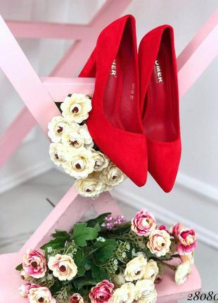 Туфли замшевые на устойчивом широком каблуке красные