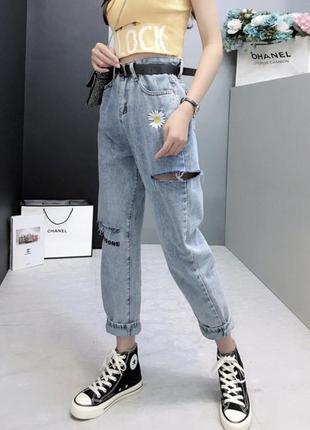 Трендовые mom jeans с вышивкой🤍