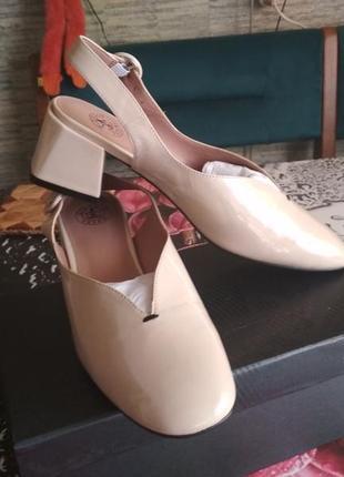 Босоножки, туфли giorgio vasari