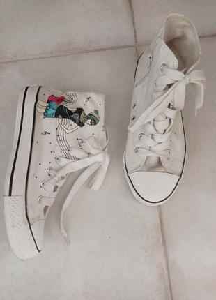 Белые кеды кроссовки со шнурками яркий принт