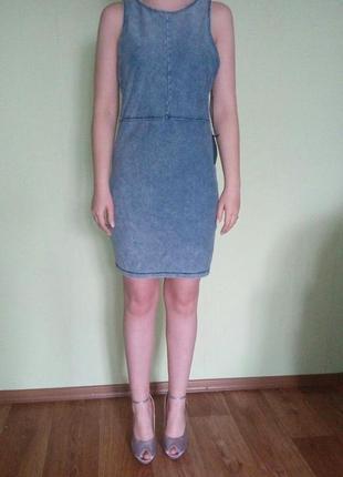 Стильне плаття під джинс forever 21
