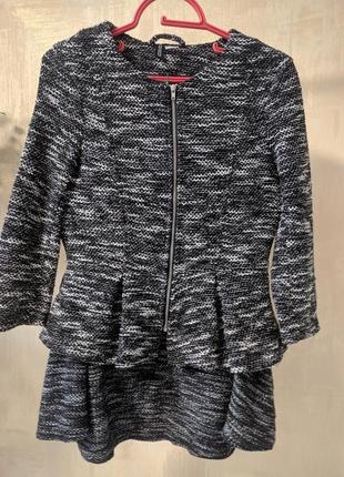 Комплект юбка и пиджак с баской