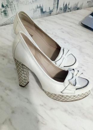 Туфлі bocage