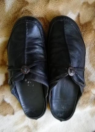 Кожаные шлепанцы на широкую ногу