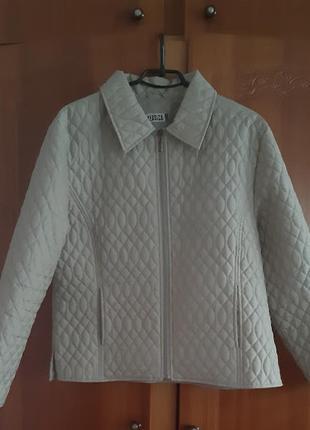 Курточка женская осення yessica песочного цвета(намного темнее,чем на фото) 54р