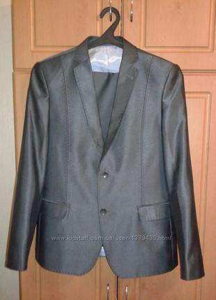 Продам подростковый костюм