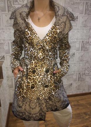 Леопардовый плащ
