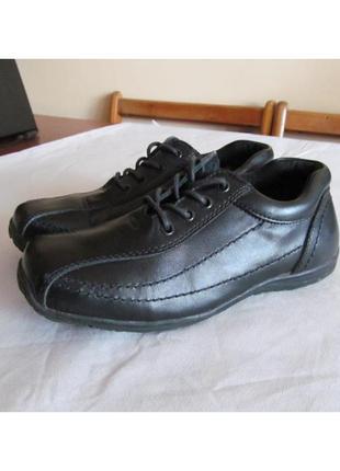 Кожаные туфли в школу tarmax шеция