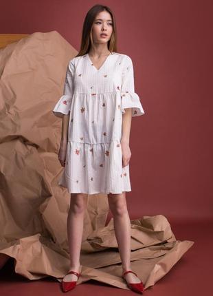 Летнее платье белое с вышивкой