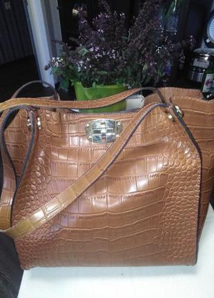 Элегантная женская сумка - мешок 2 в 1  тиснение под рептилию .