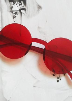 Круглые безоправные солнцезащитные очки красный