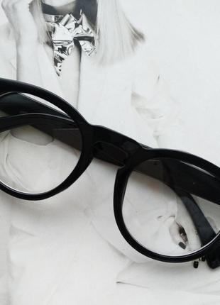 Имиджевые круглые очки в широкой оправе чёрный