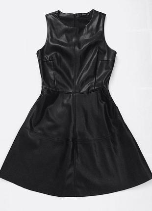 Стильное, кожаное платье bershka