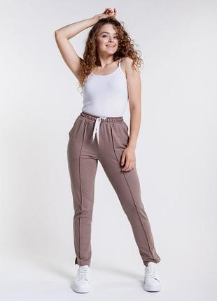 Женские трикотажные штаны со стрелами