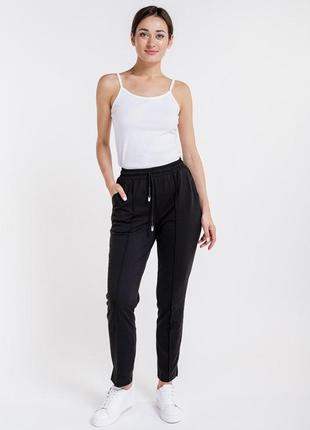 Женские спортивные штаны со стрелками
