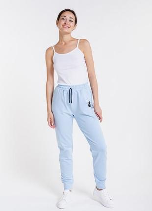 Женские спортивные штаны из трикотажа с принтом микки