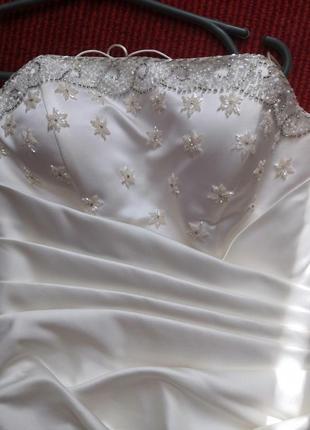 Платье белое выпускное, нарядное, свадебное с бисером, вышивкой