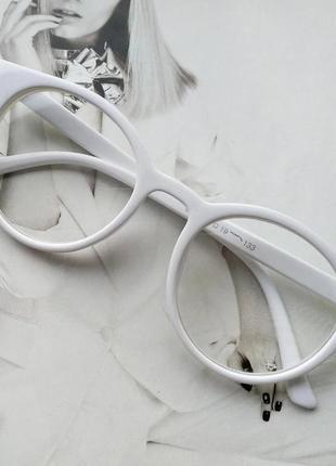 Имиджевые очки  круглые с  прозрачной линзой белый