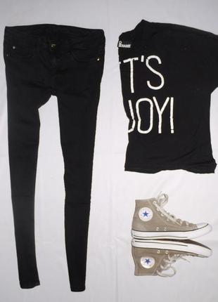 Очень узкие джинсы ( джеггинсы , скинни ) tally weijl