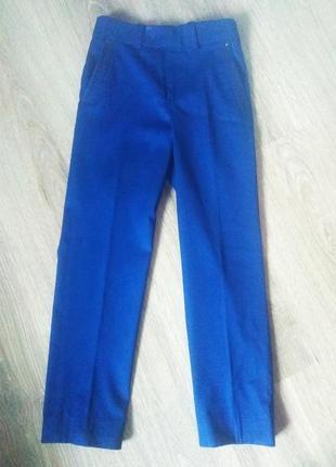Школьные брюки на мальчика 8 -9 лет