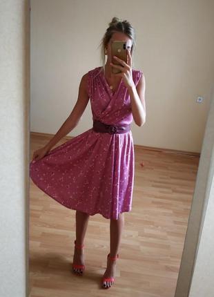 Крутое платье в цветочный принт