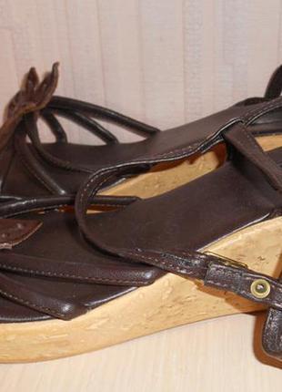 Босоножки, сандалии на танкетке saphire  р-р 5 (38), кожа, франция