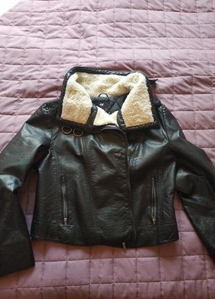 Трендовая утепленная курточка