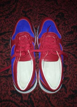 Красно-синие женские кожаные кроссовки