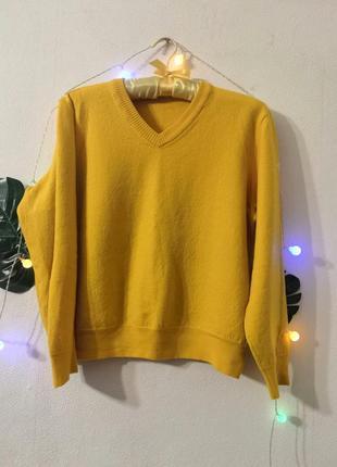 Шерстяной жёлтый  свитер hugo boss