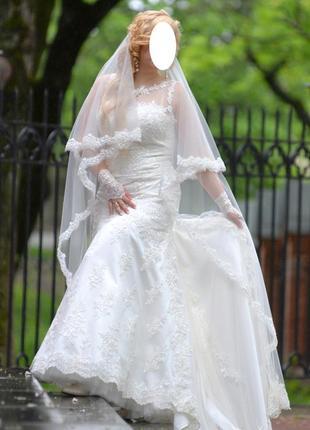 Свадебное платье. франция. размер m-xl за счет шнуровки.