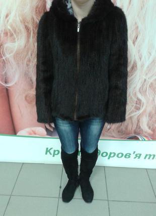 Полушубок-куртка с капюшоном из вязаной норки.