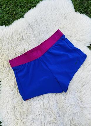 Спортивні яскраві шорти від nike розміру m(38) dri fit
