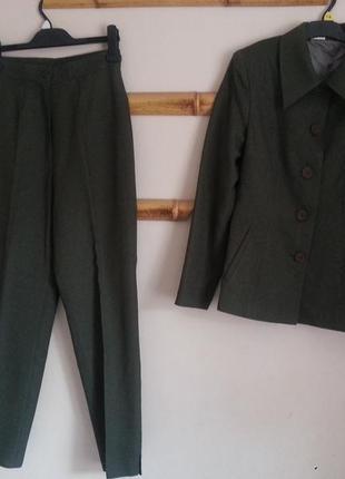 Женский костюм (пиджак+ брюки)