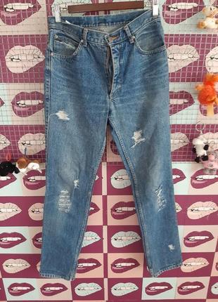 Акция 1+1=3! актуальные джинсы мом бойфренд mustang