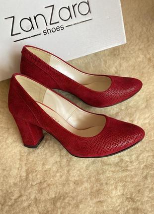Классные красные туфли