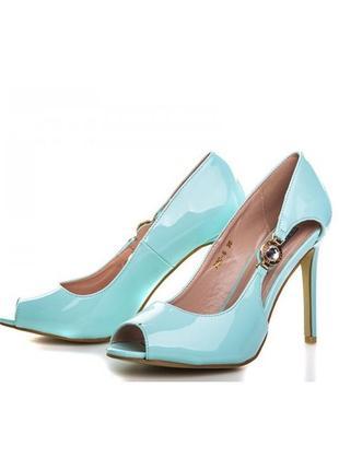 Шикарные летние бирюзовые туфли с открытым носом на каблуке шпильке
