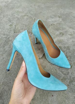 Туфли лодочки женские велюровые голубого цвета