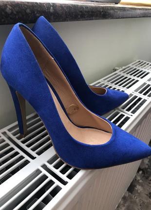 Туфлі синього кольору!!!!