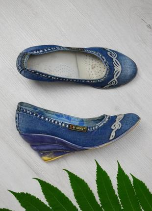 Джинсовые туфли на платформе