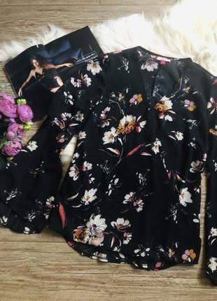 Блуза цветочный принт с рукавами клёш