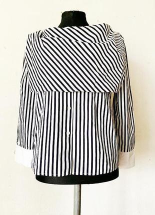 +очень интересная двухслойная блуза в полоску с  красивыми пуговицами uterque