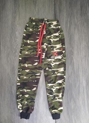 Камуфляжные спортивные штаны для подростков хаки