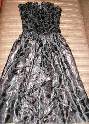 Брендовое платье,качественный атлас с бархатным принтом