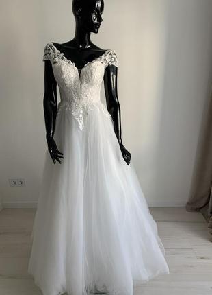 Люкс свадебное платье с нежной вышивкой