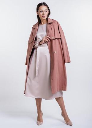 Нарядное атласное платье-миди