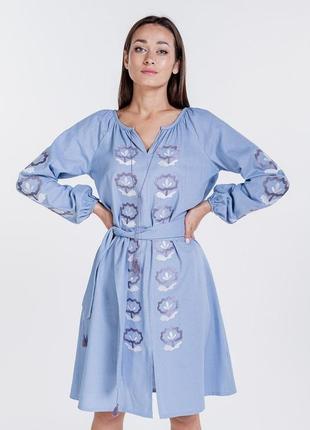 Платье-вышиванка расклешенное с цветочками гладью