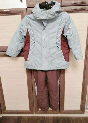 Тёплый деми и зима комплект 110-116 в идеале шапка в подарок