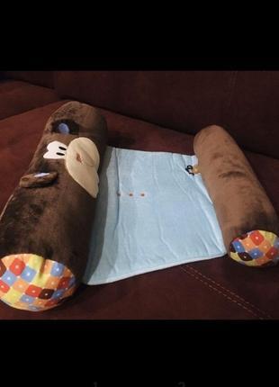 Кокон, захисний коврик для немовлят
